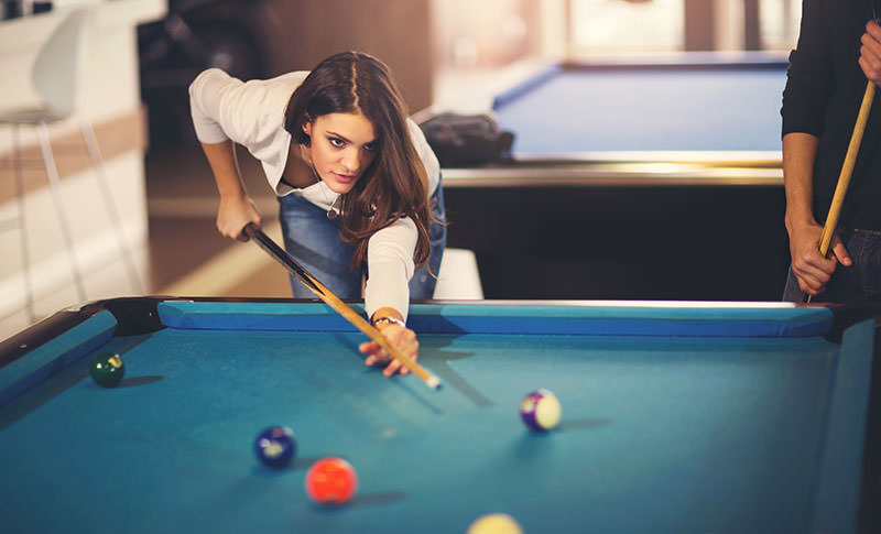 https://www.gamingweekender.com/wp-content/uploads/2018/09/woman-playing-pool_mini.jpg